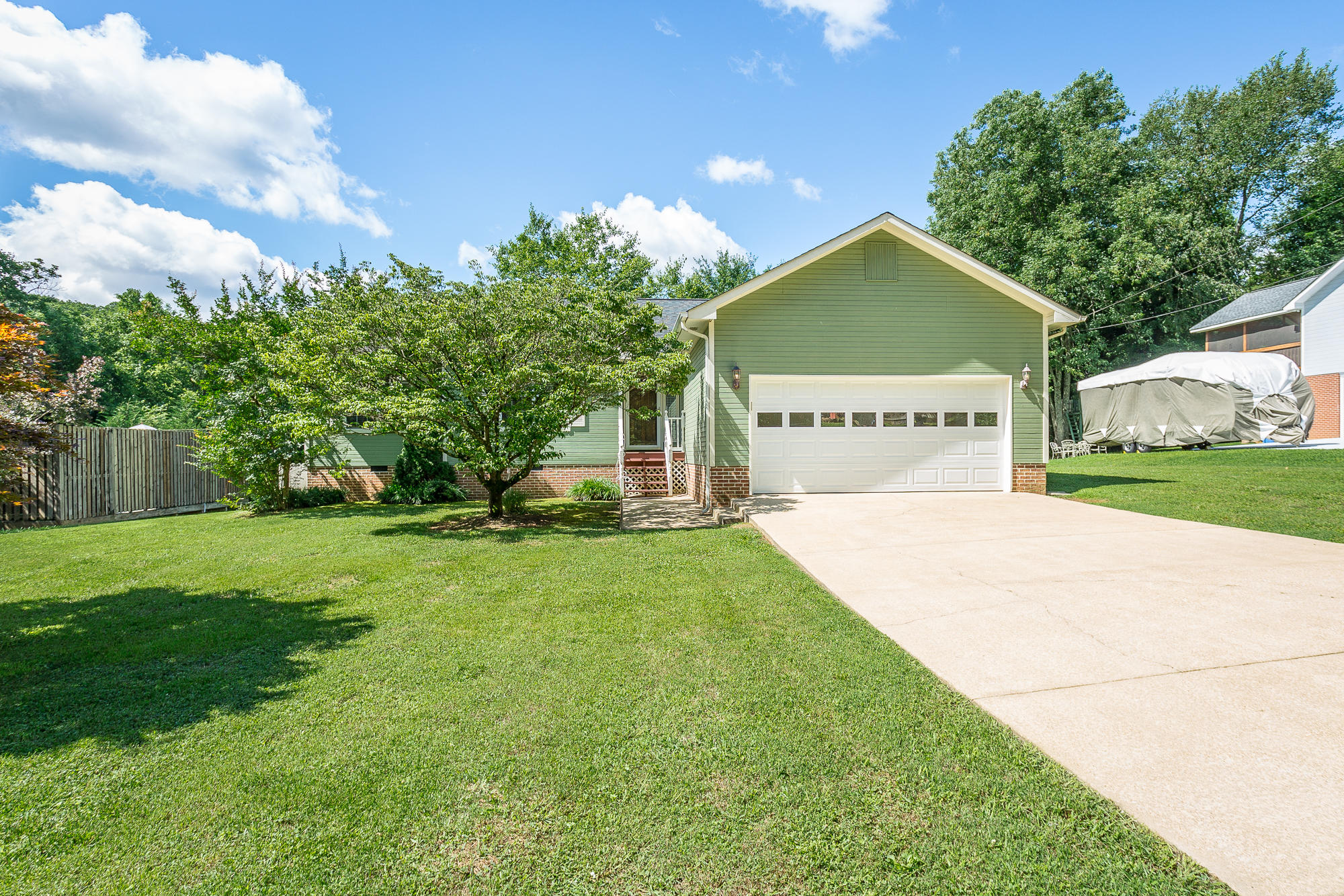 608 Courtney Ln, Chattanooga, TN 37415