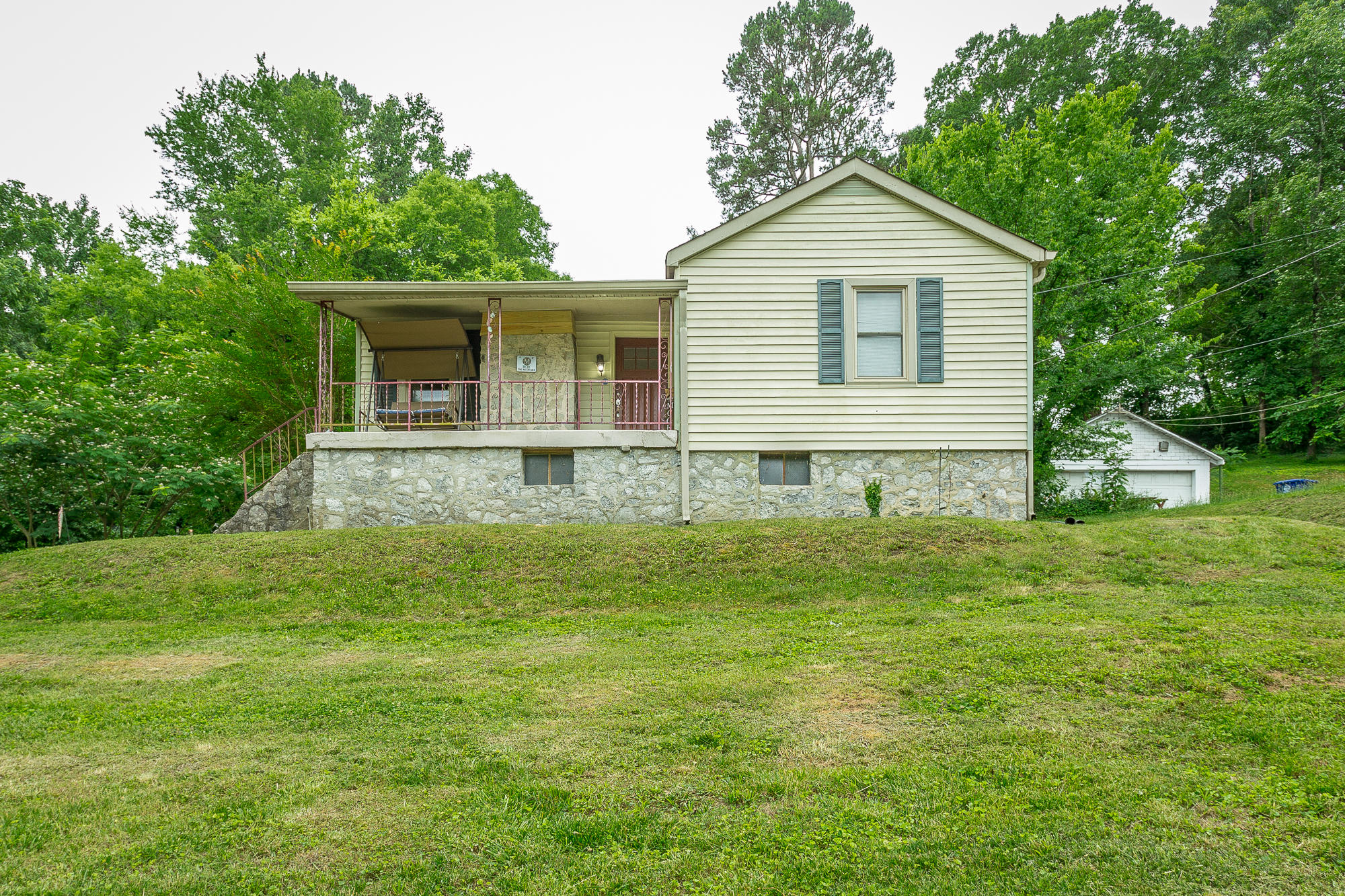 4034 Bonny Oaks Dr, Chattanooga, TN 37406