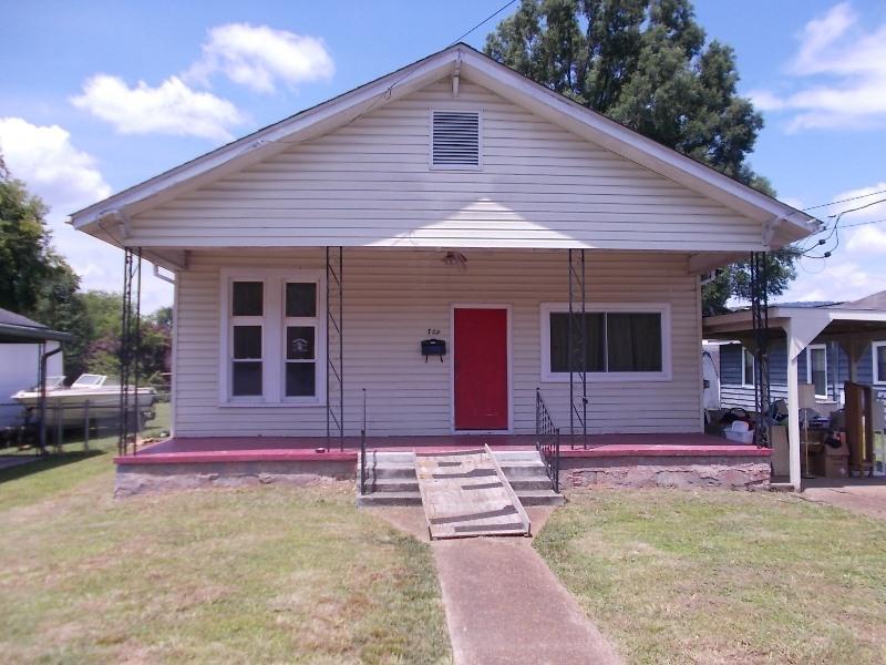 709 Flegal Ave, Rossville, GA 30741