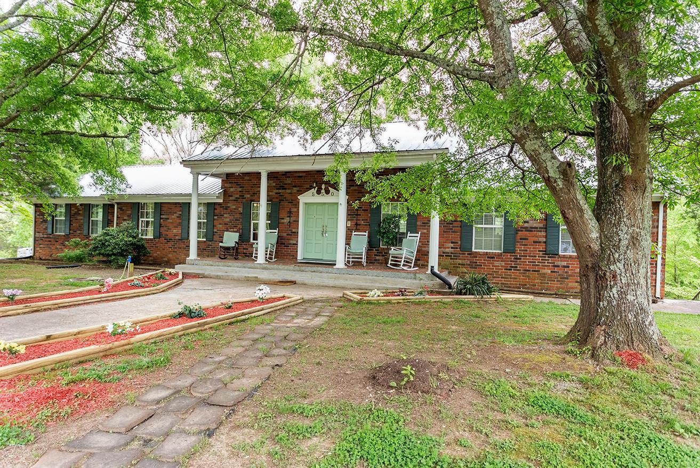 550 Oak Grove Rd, Benton, TN 37307