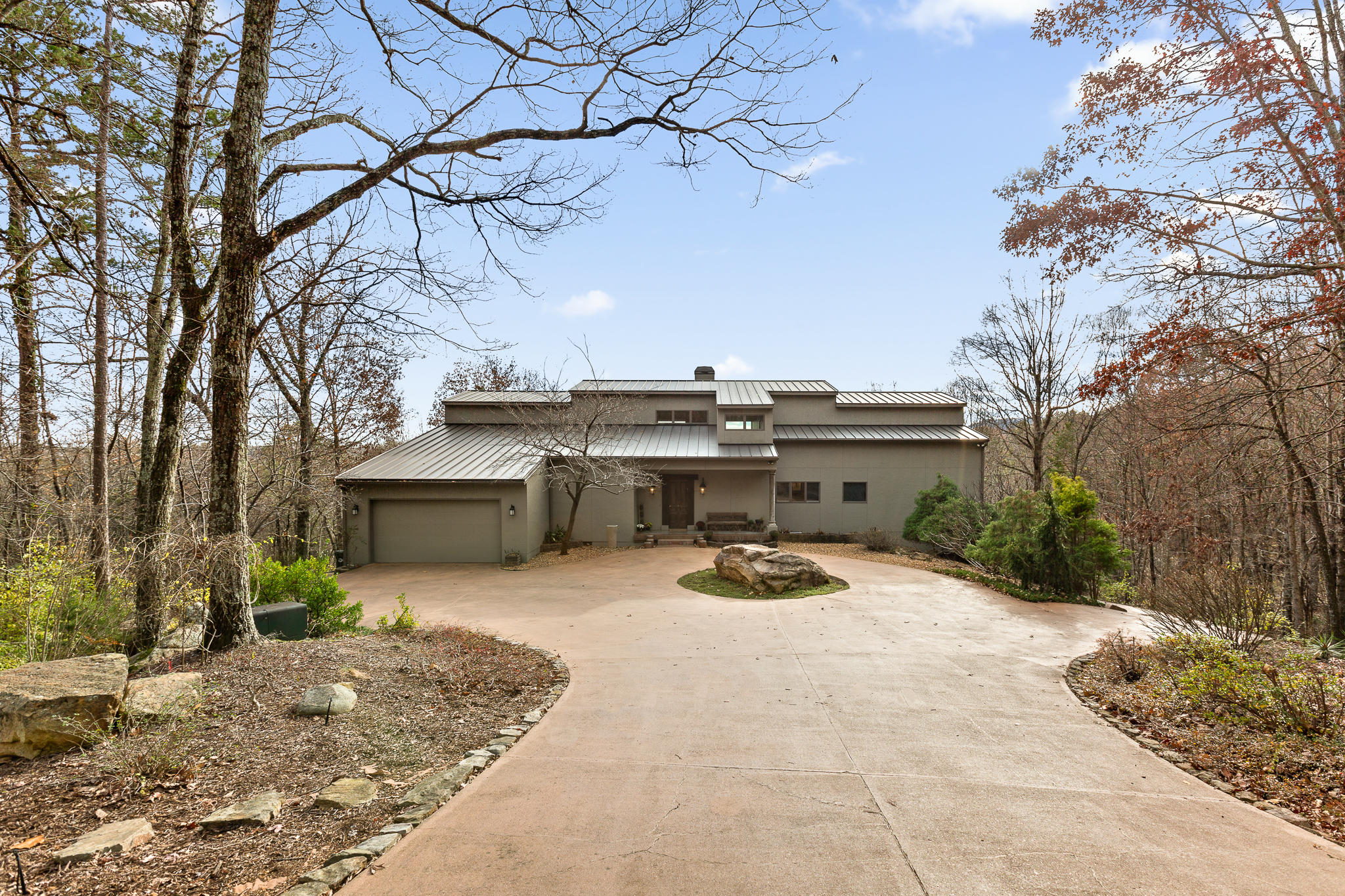 1544 Greer Ln, Signal Mountain, TN 37377