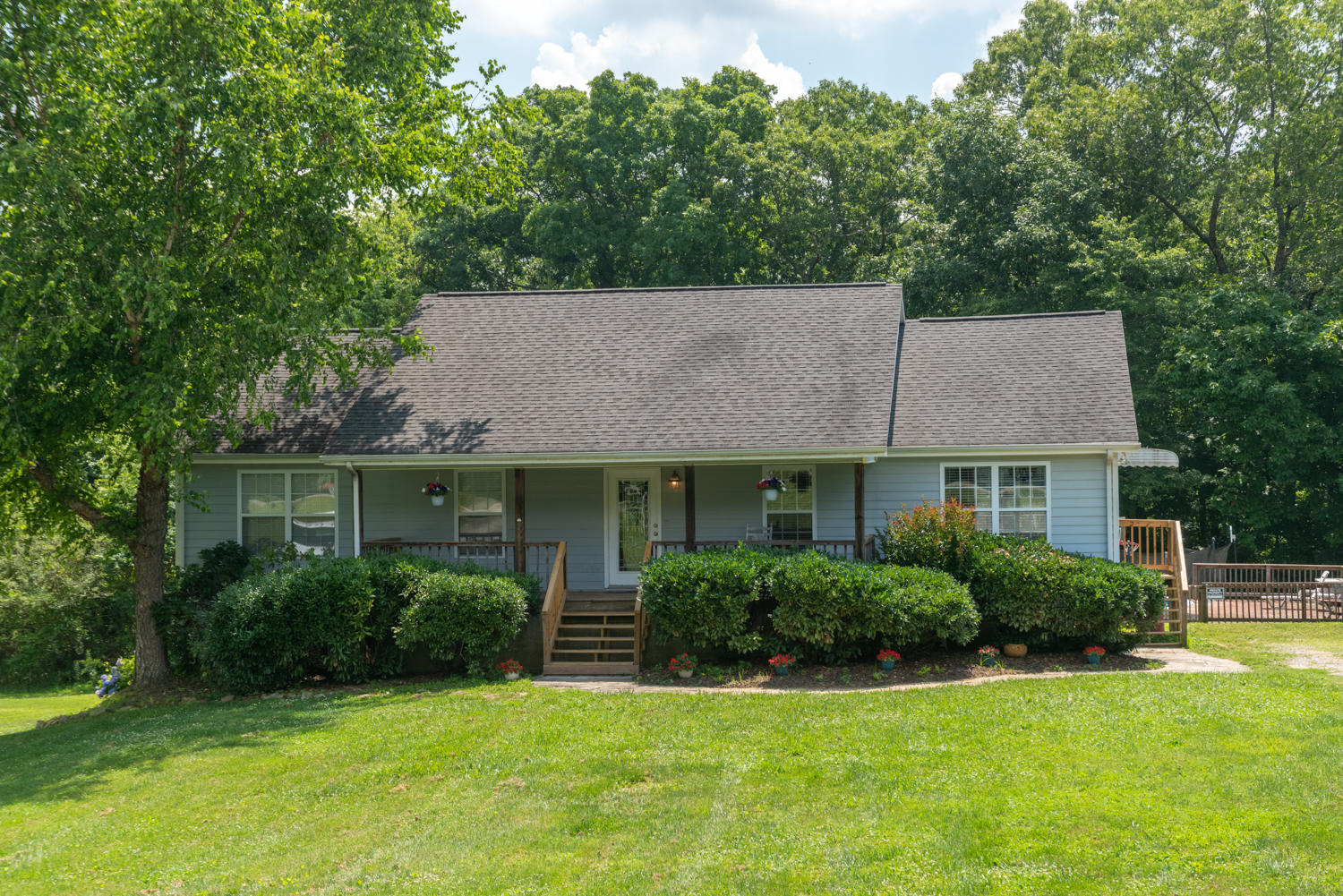 342 Miller Rd, Signal Mountain, TN 37377