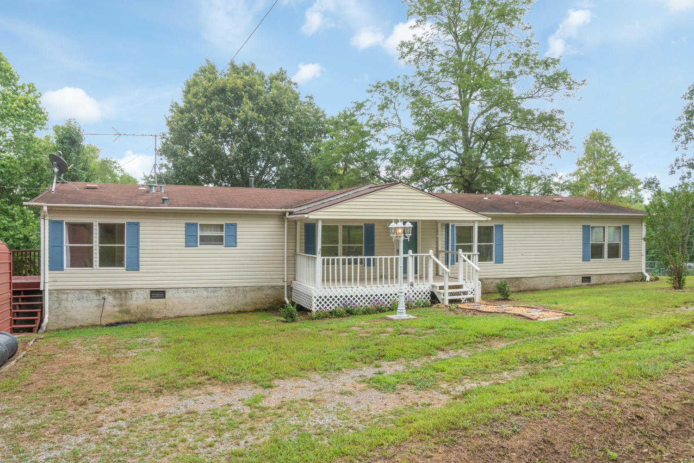 1097 Porter Rd, Trenton, GA 30752