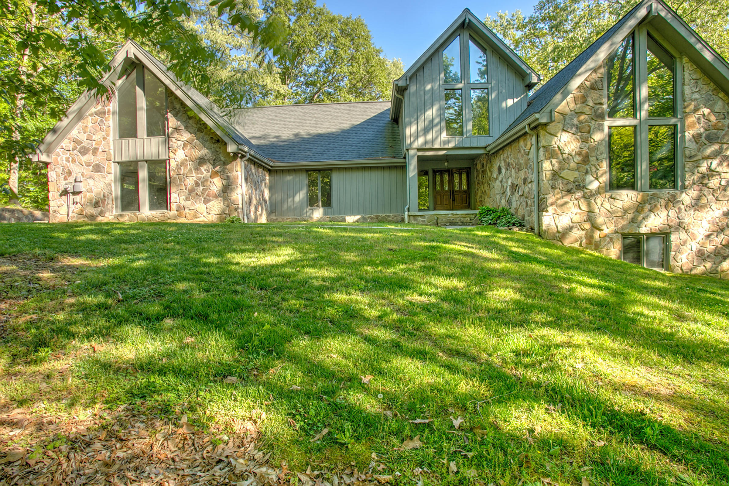 9110 Windstone Dr, Ooltewah, TN 37363