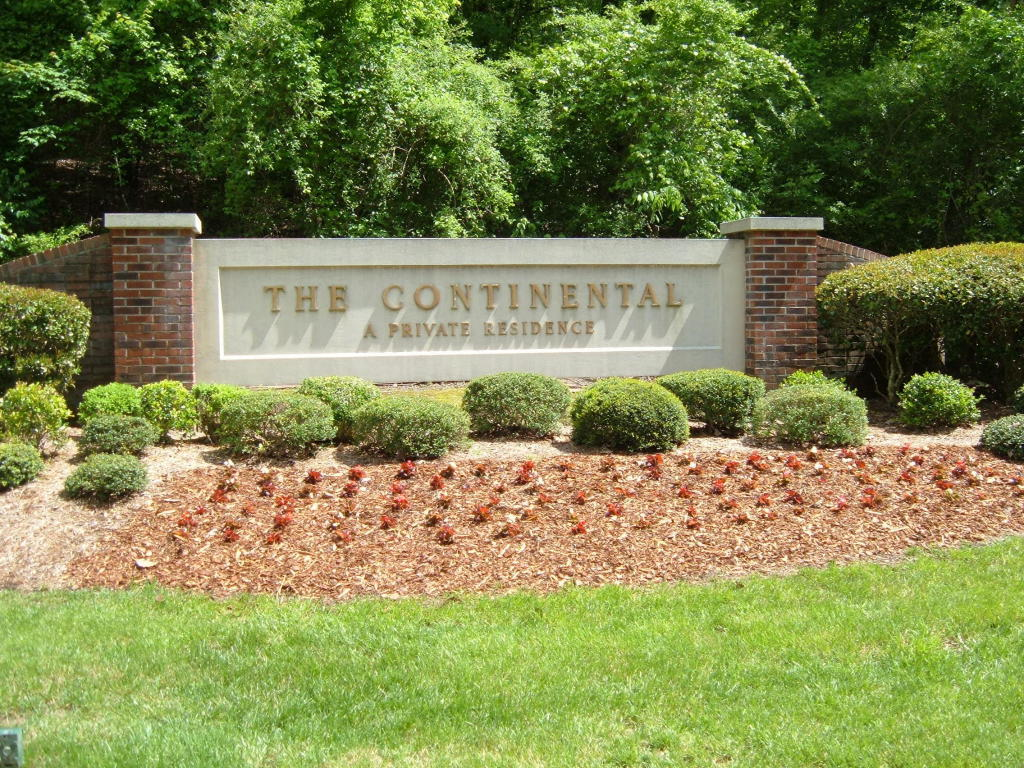 1414 Continental Dr, Chattanooga, TN 37405
