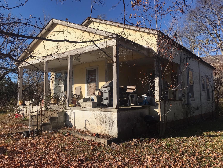 34 Pace Rd, Chickamauga, GA 30707