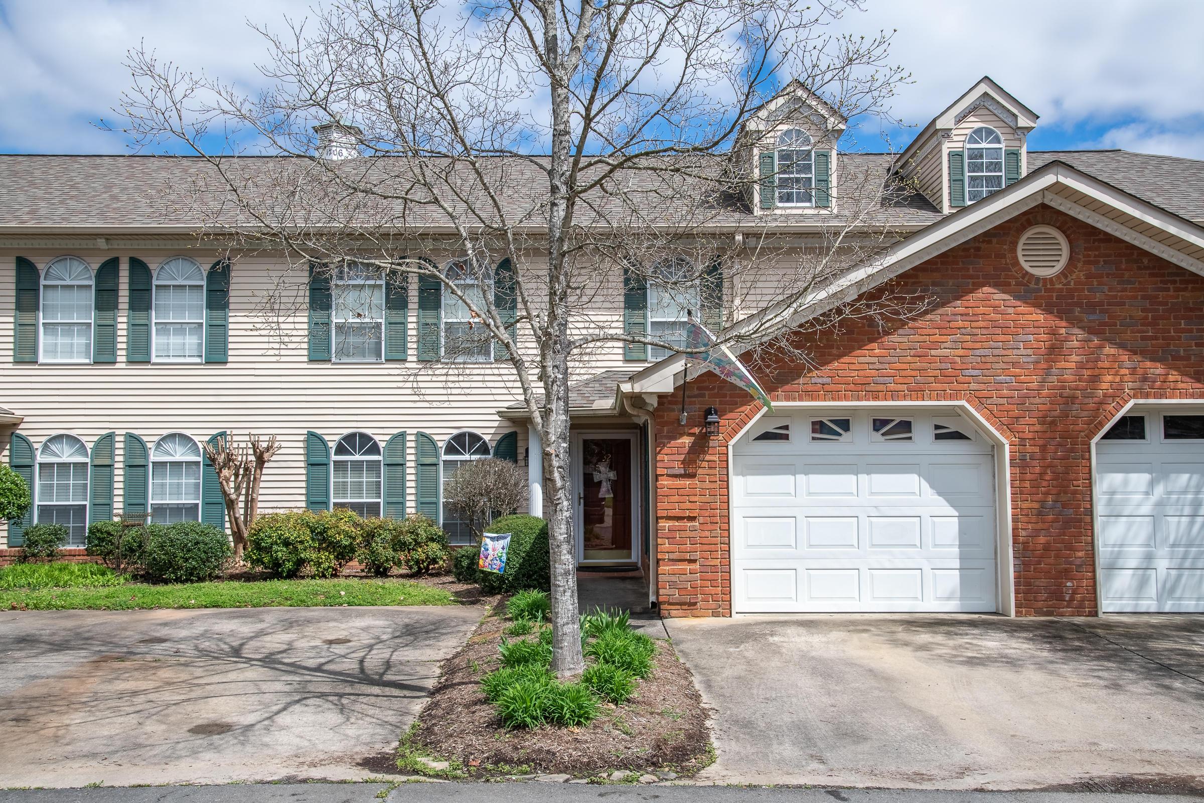 1706 Willow Oak Ln, Dalton, GA 30721