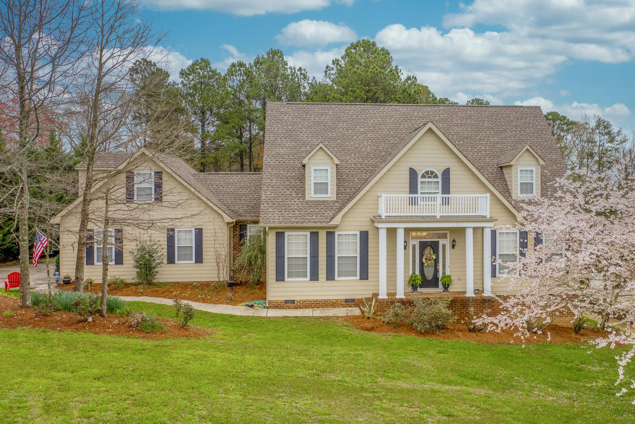 172 W Homeplace Dr, Tunnel Hill, GA 30755
