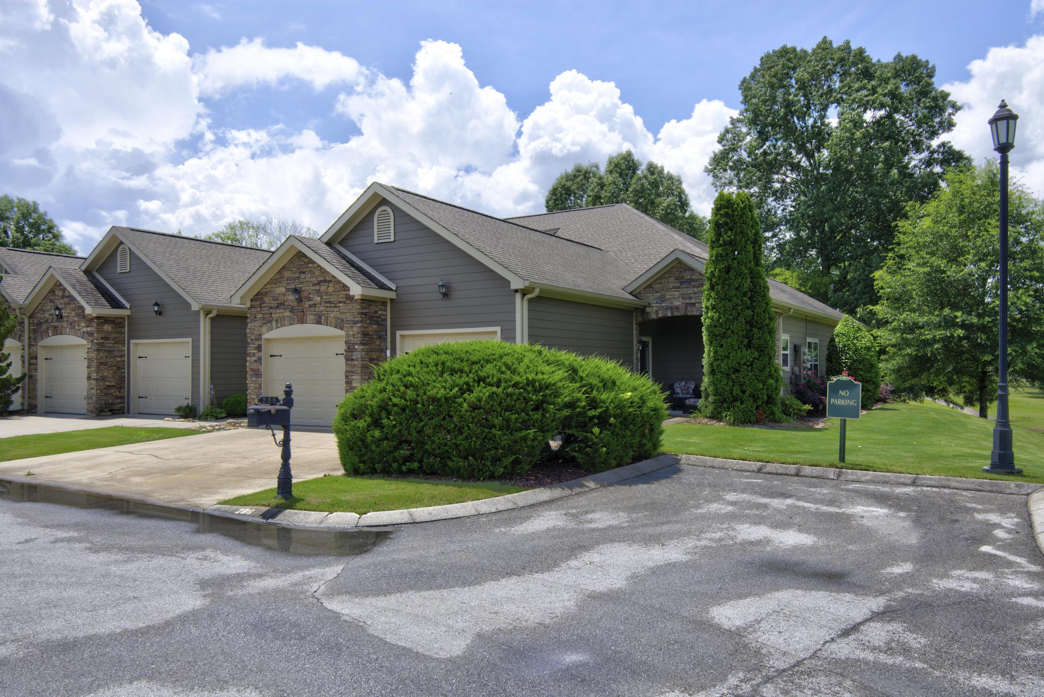 286 Templeton Ln, Hixson, TN 37343