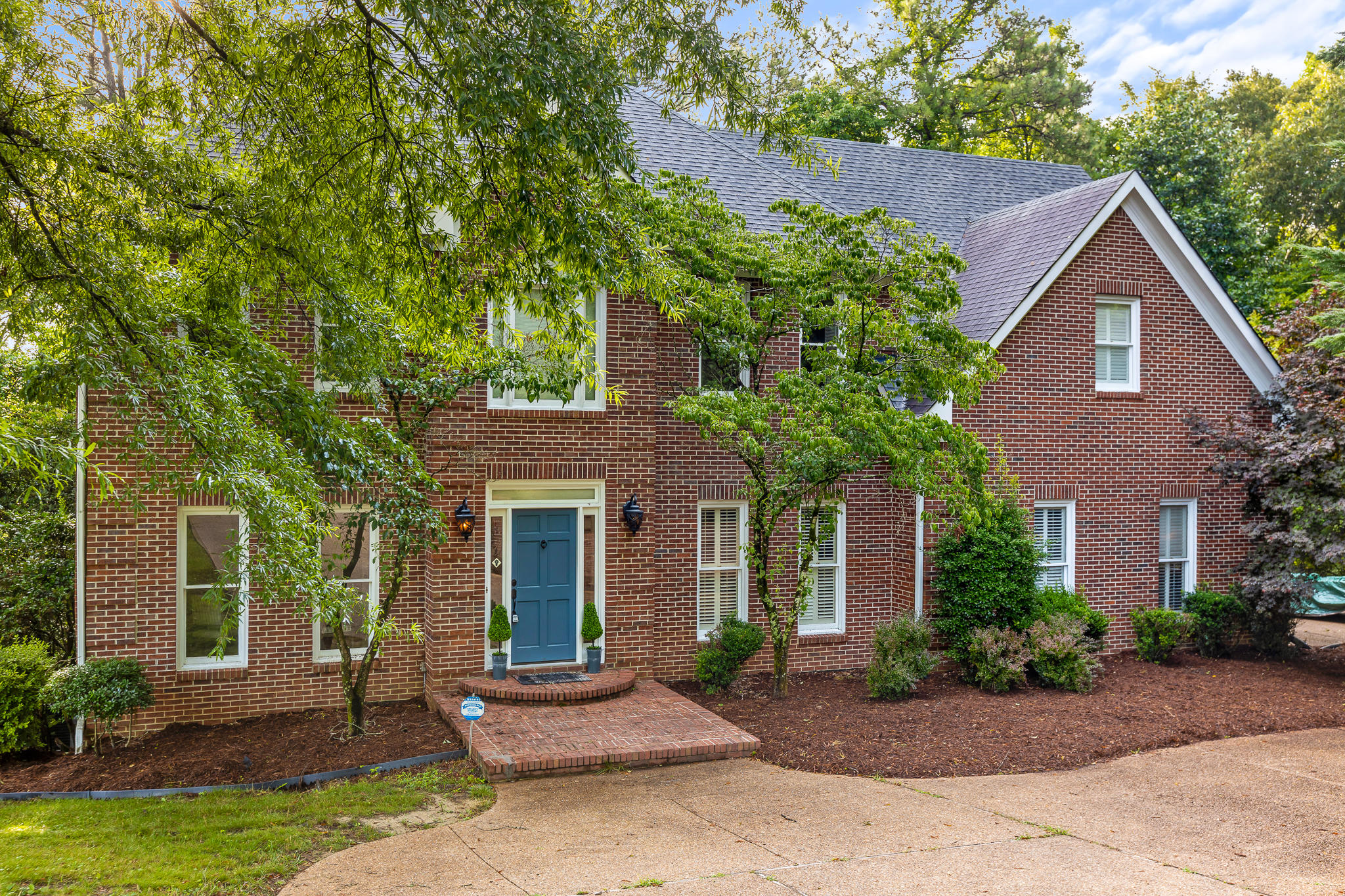 8333 Mill Race Dr, Ooltewah, TN 37363