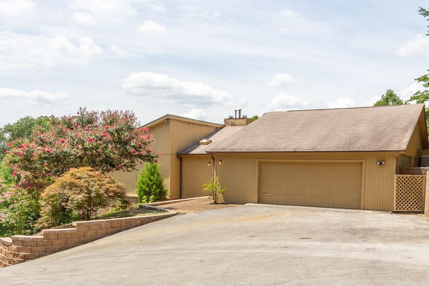 3407 Kings Cove Ln, Chattanooga, TN 37416