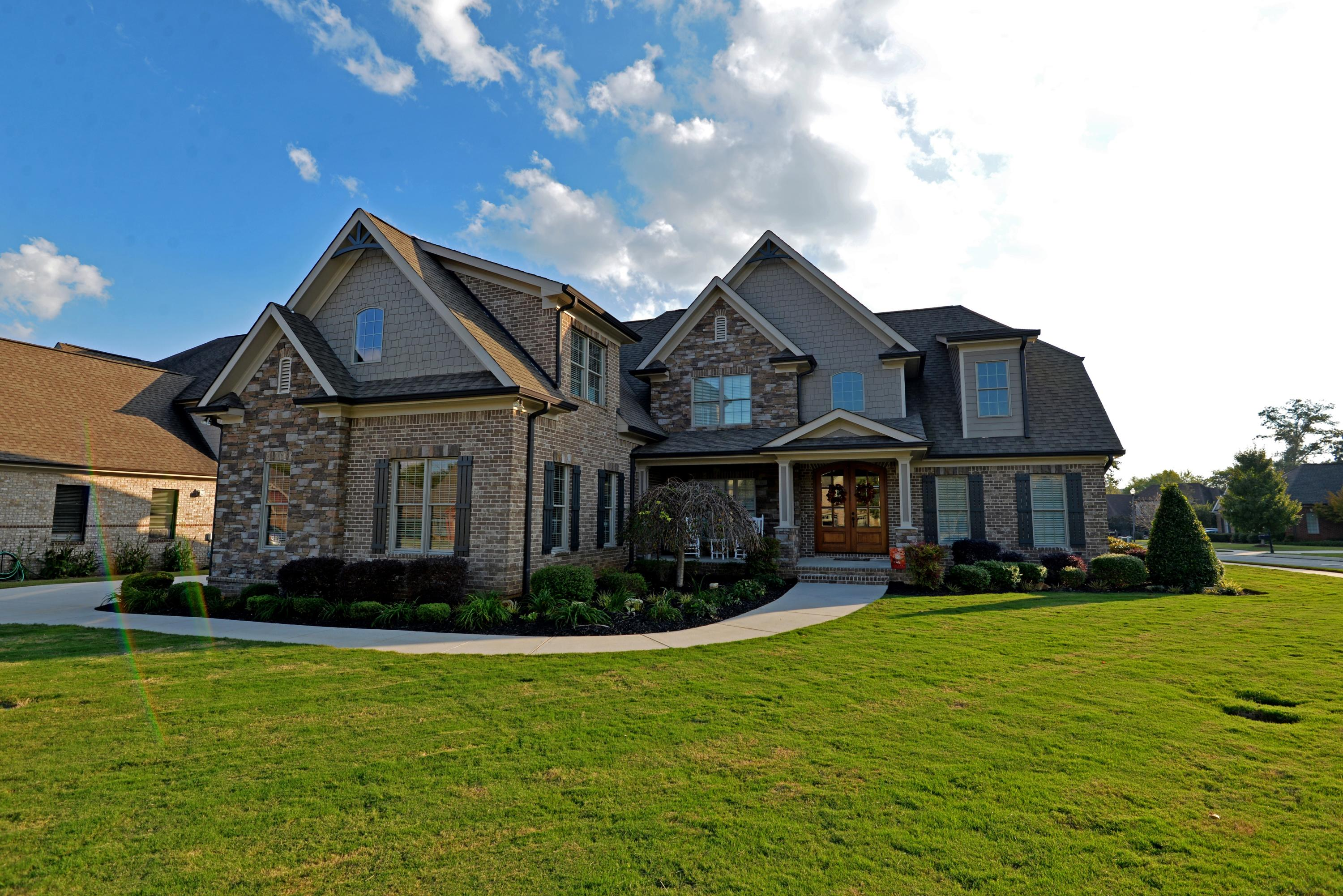 7948 Hampton Cove Dr, Ooltewah, TN 37363