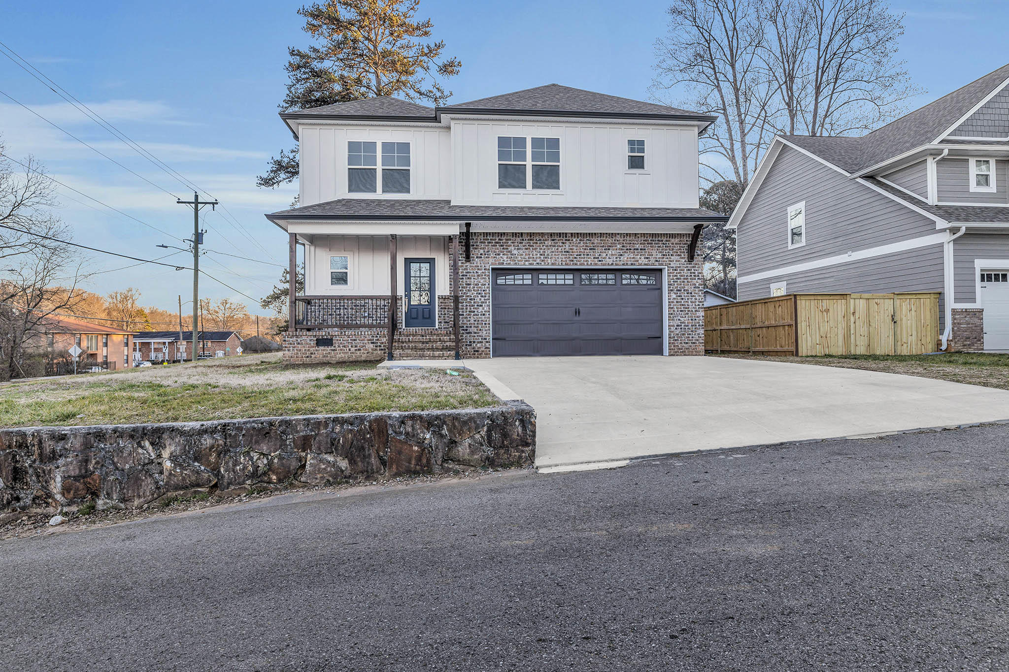 100 Eastview Ct, Red Bank, TN 37415
