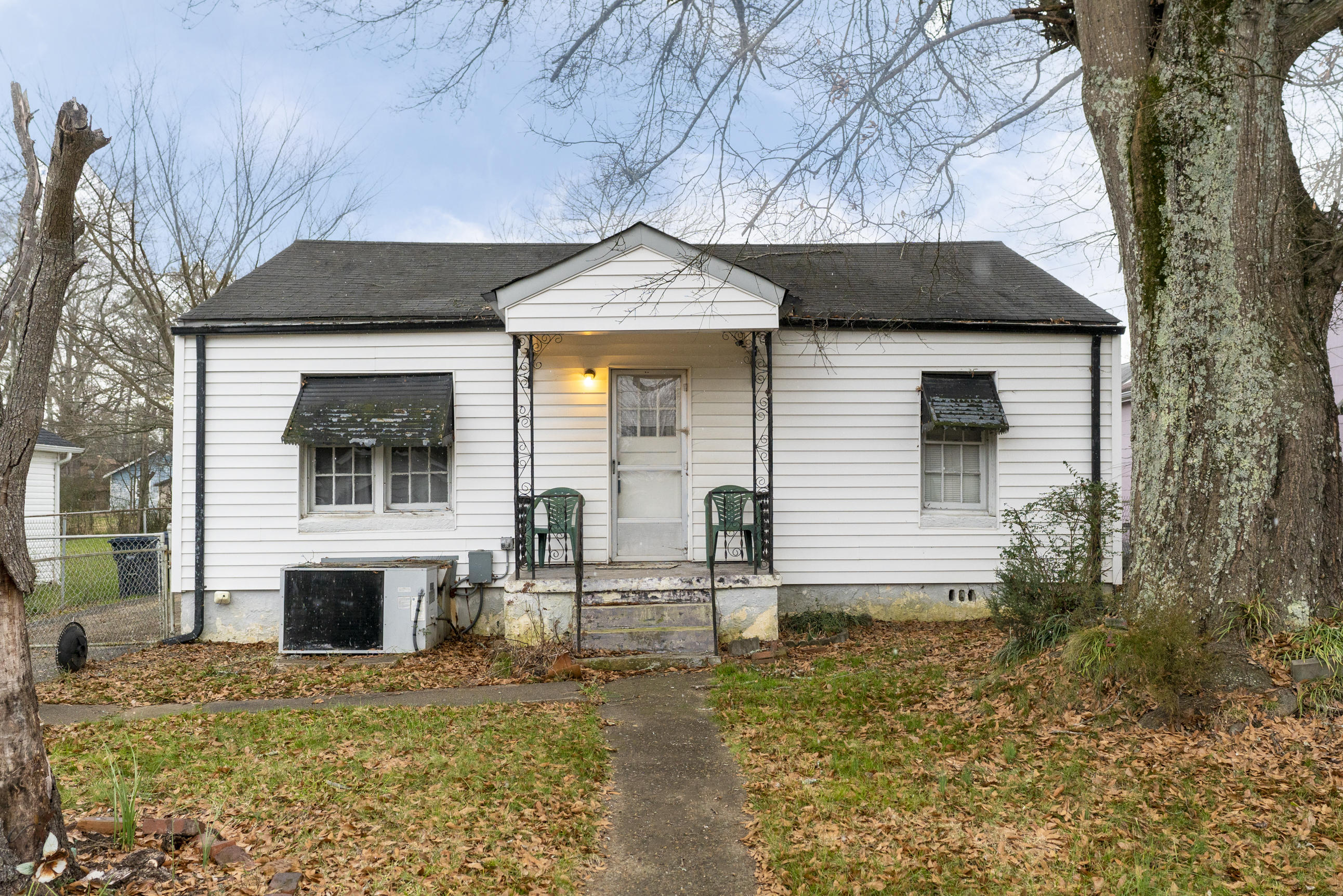 1668 Keeble St, Chattanooga, TN 37412