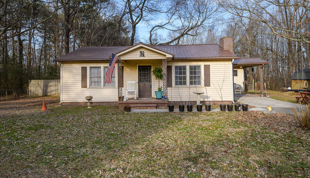 198 Se Samples Chapel Rd, Cleveland, TN 37323