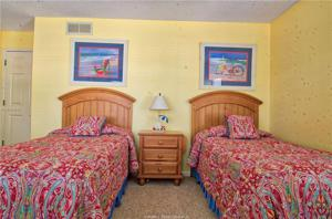 11 Beachside Drive, Hilton Head Island, SC 29928