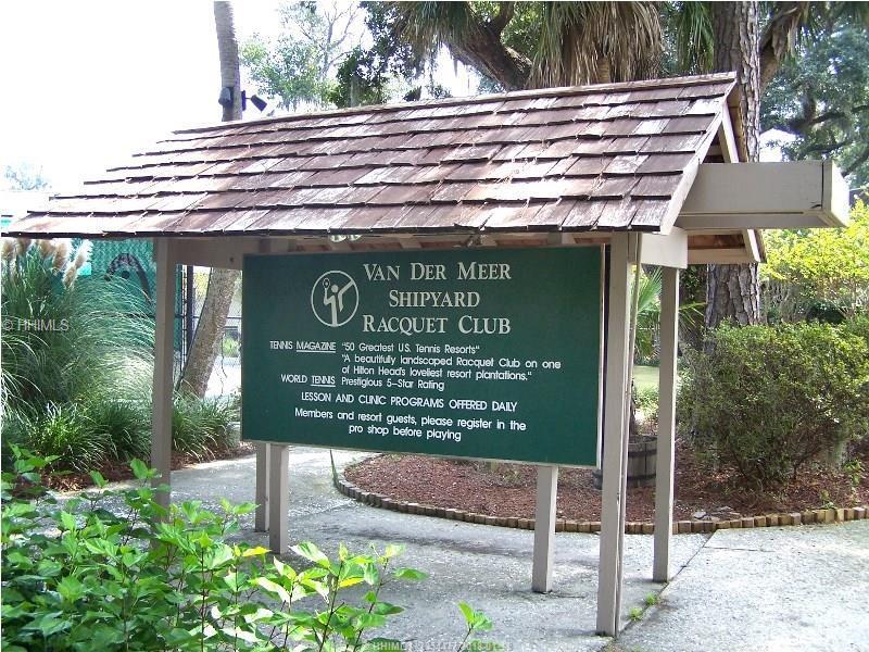 90 Gloucester Road, Hilton Head Island, SC 29928