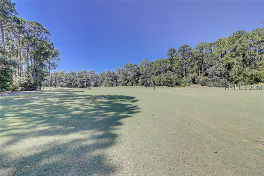 8 Oglethorpe Lane, Hilton Head Island, SC 29926