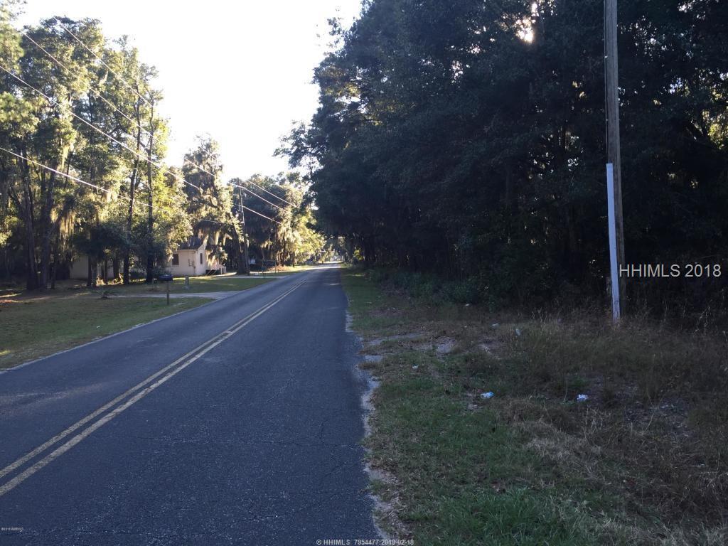 102 Saxonville Road, Saint Helena Island, SC 29920