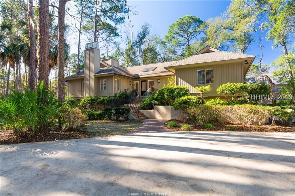 15 Mckays Point Road, Hilton Head Island, SC 29928