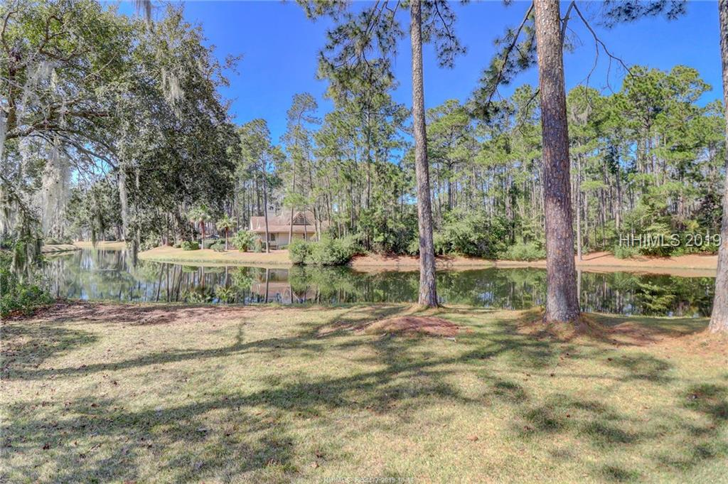 6 Strawberry Hill Road, Hilton Head Island, SC 29928