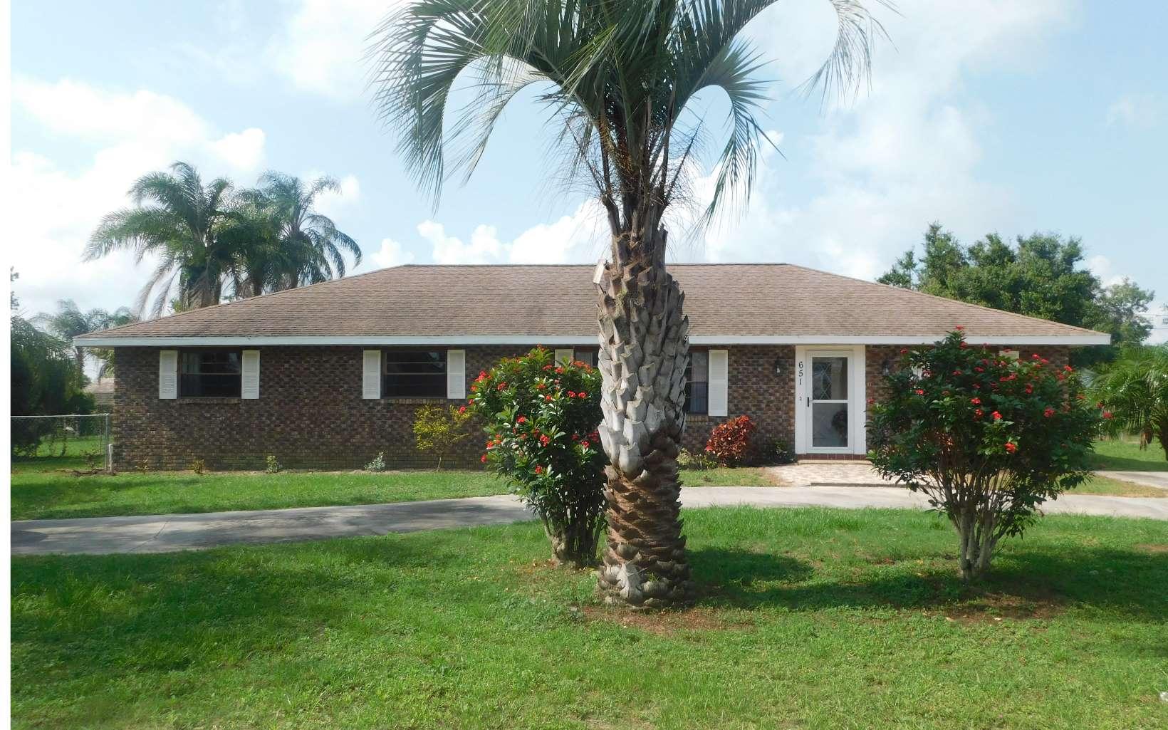 651 Hill Rd, Lake Placid, FL 33852