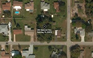 203 Sparrow Ave, Sebring, FL 33870