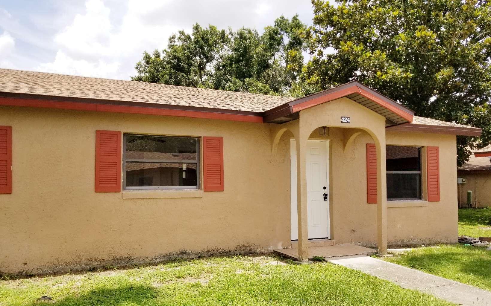 424 Las Palmas Cir, Avon Park, FL 33825