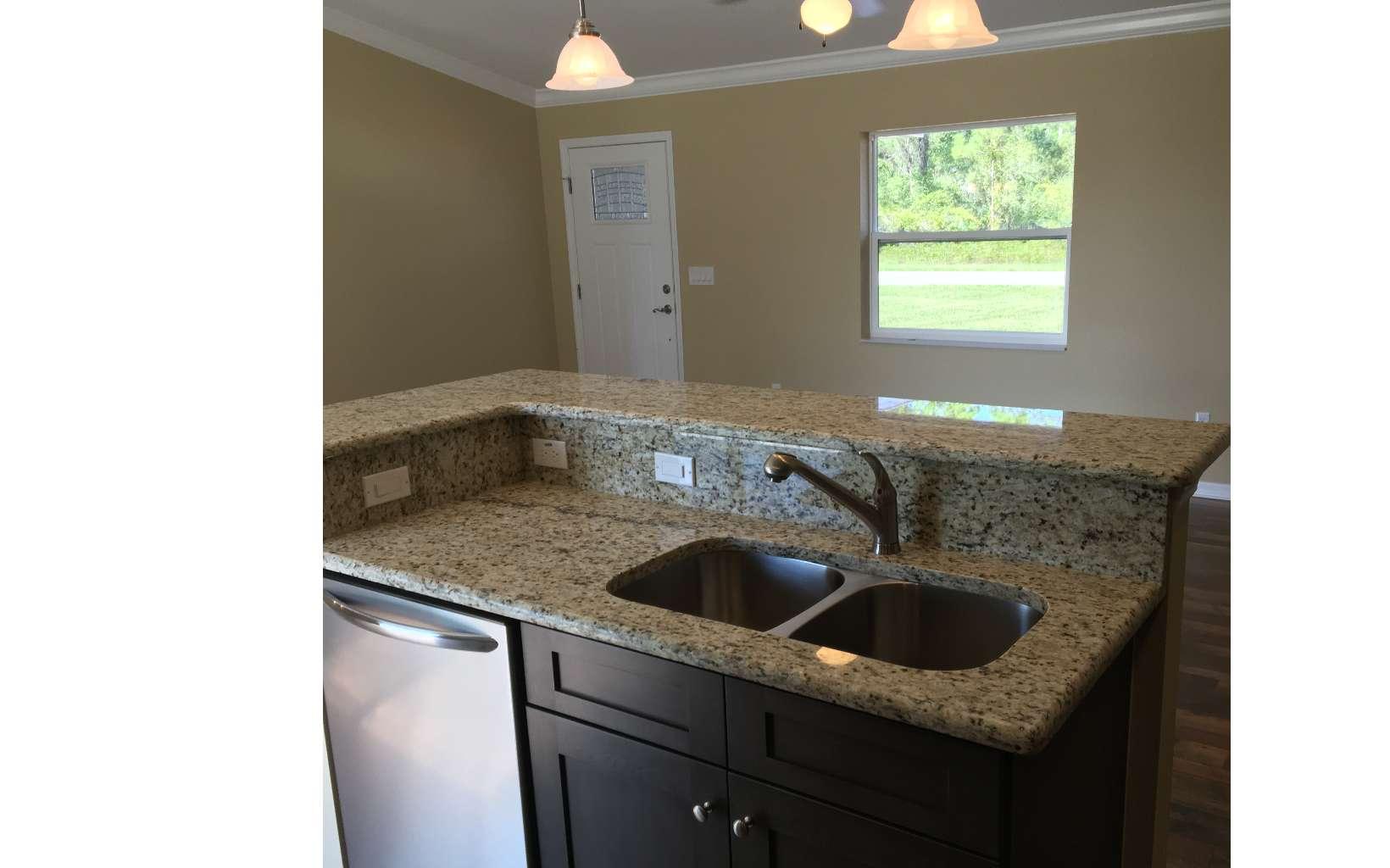 228 Humphrey Ave, Lake Placid, FL 33852