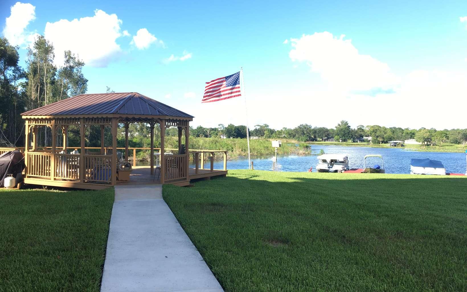 121 Country Club Dr #204, Lake Placid, FL 33852