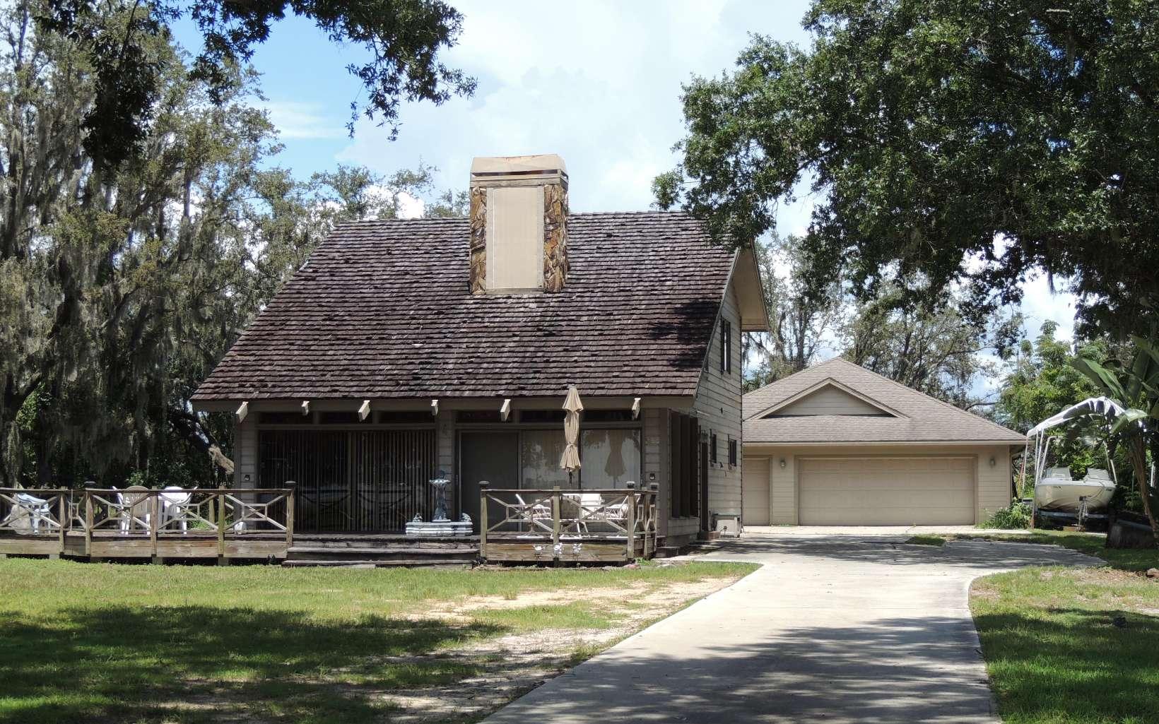 3250 Lakeview Dr, Sebring, FL 33870