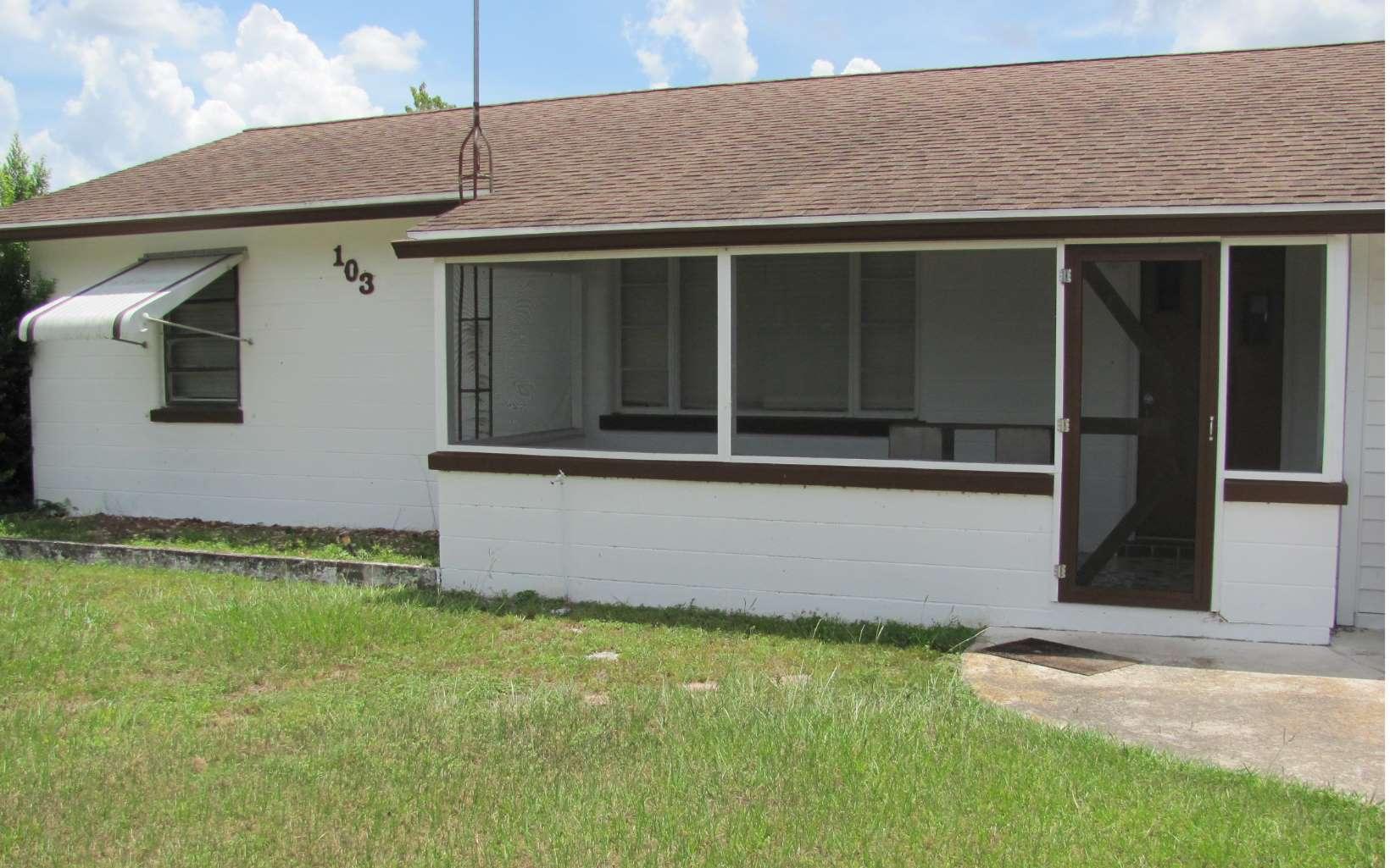 103 W Pleasant St, Avon Park, FL 33825