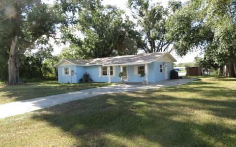 1725 Circle Dr, Lake Placid, FL 33852