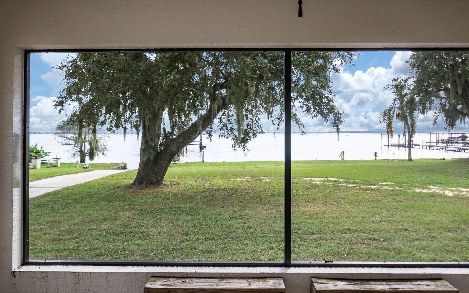 832 Lake June Rd, Lake Placid, FL 33852