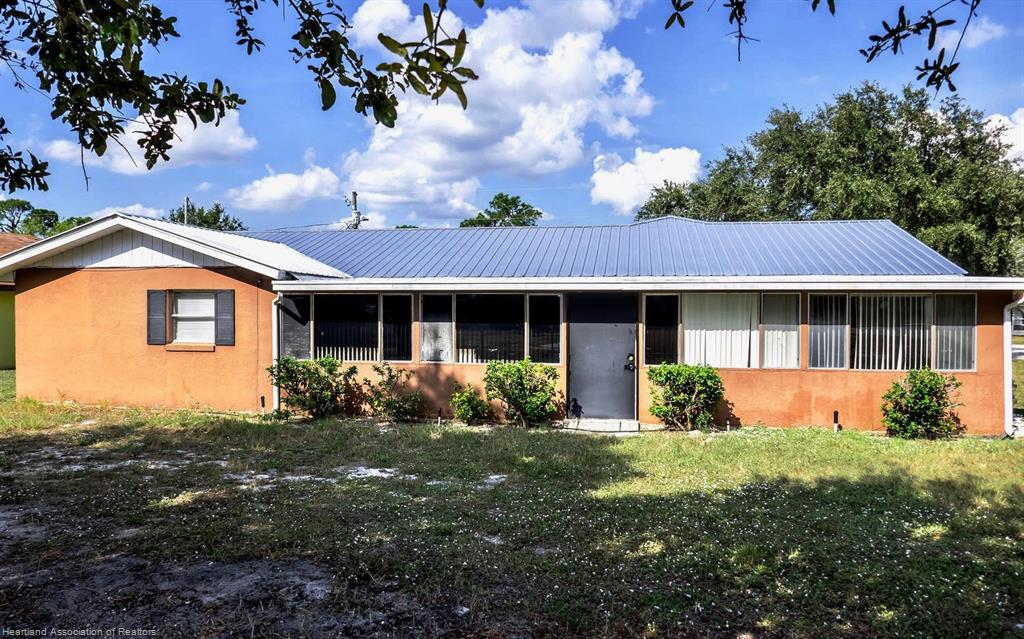 225 Blue Moon Avenue, Lake Placid, FL 33852
