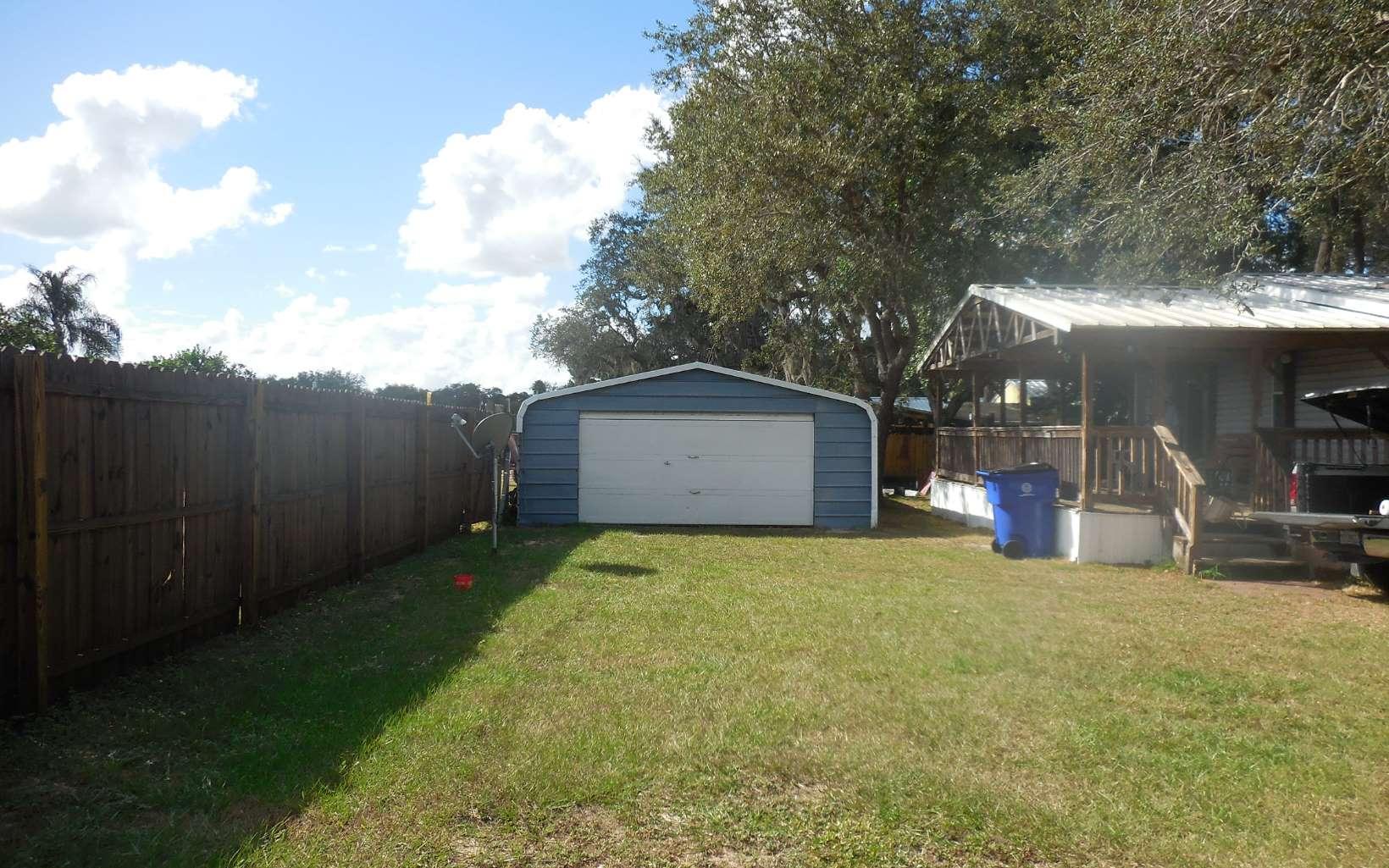 1301 W Gladiola Dr, Avon Park, FL 33825