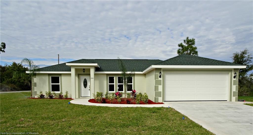300 Lake Groves Ne Road, Lake Placid, FL 33852