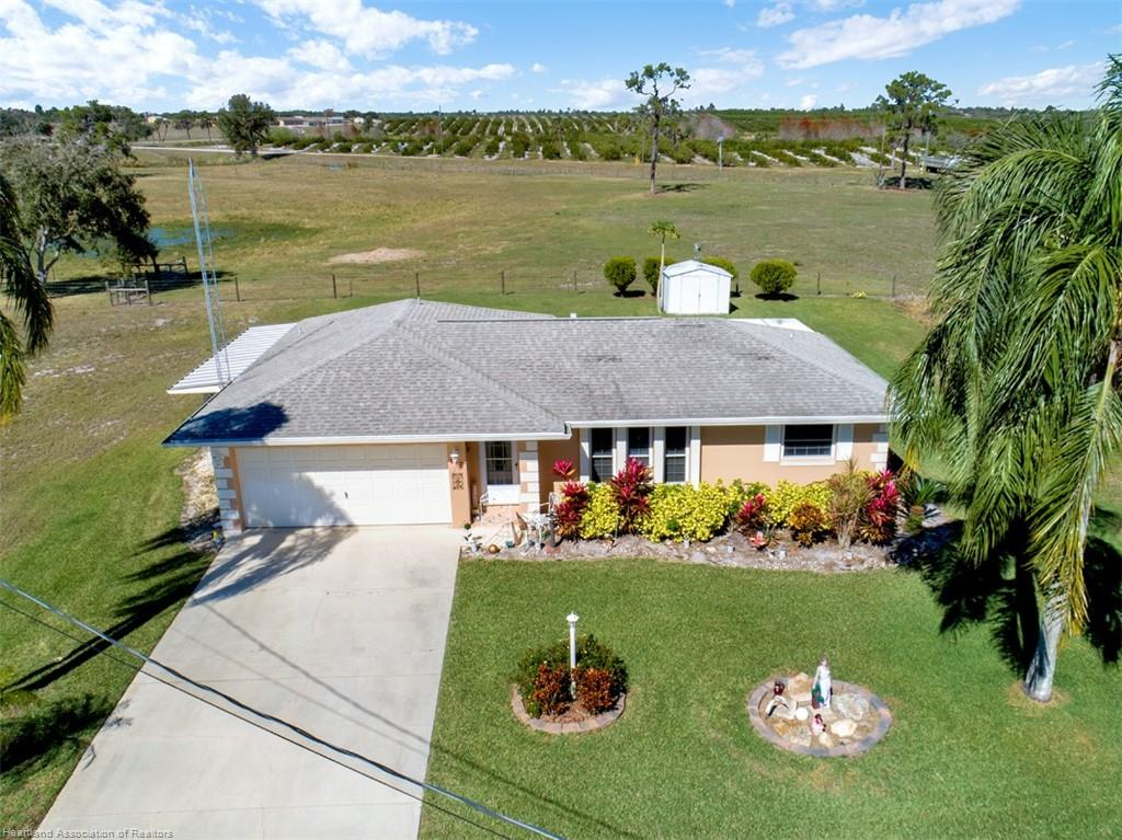 117 Autumn Avenue, Lake Placid, FL 33852