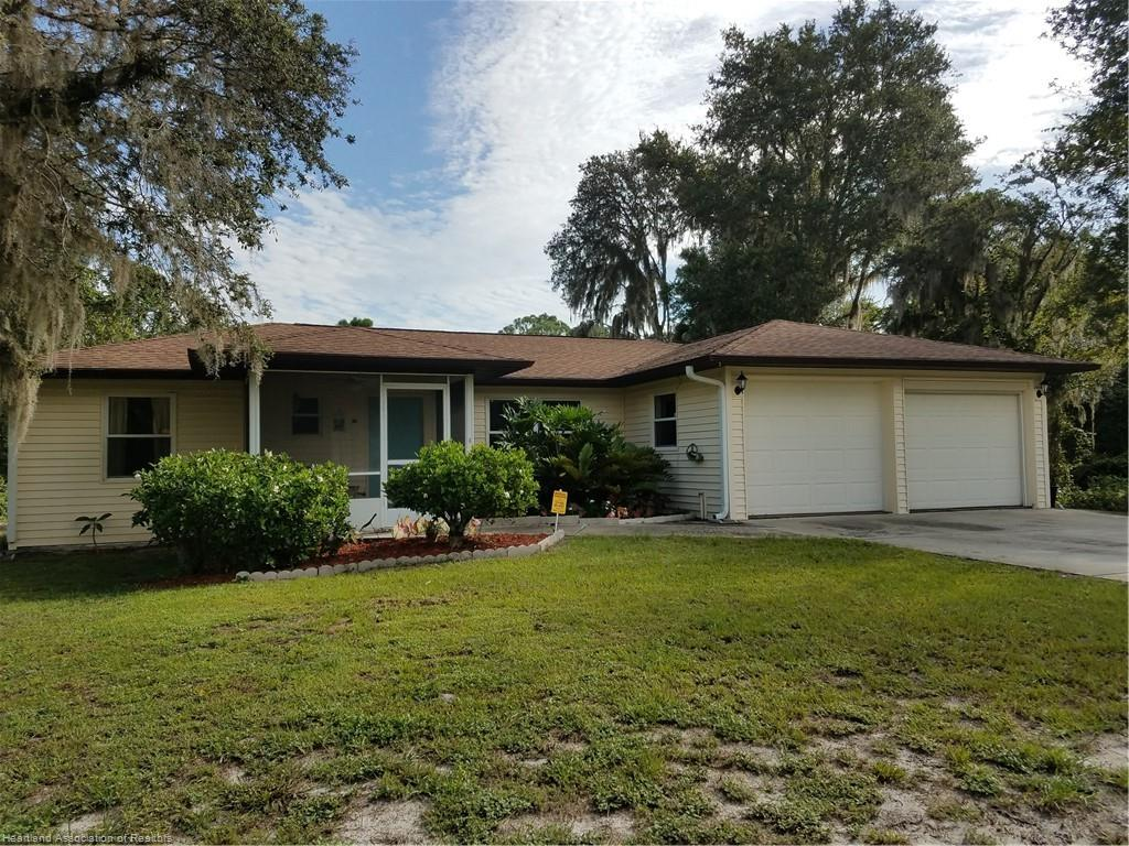 449 Ellison Avenue, Lake Placid, FL 33852