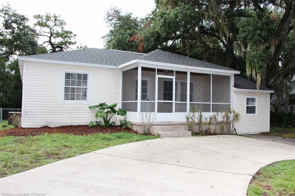 1271 Lakeview Drive, Sebring, FL 33870