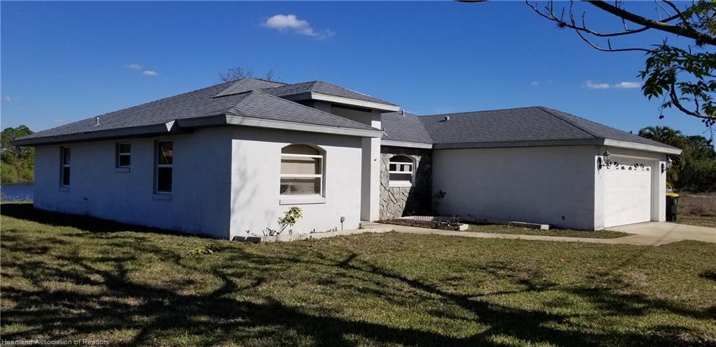 816 Lake Betty Drive, Lake Placid, FL 33852