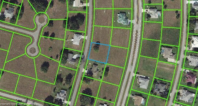 825 Woodside Place, Sebring, FL 33876