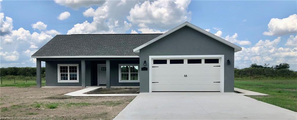 3055 Oaks Bend, Bowling Green, FL 33834