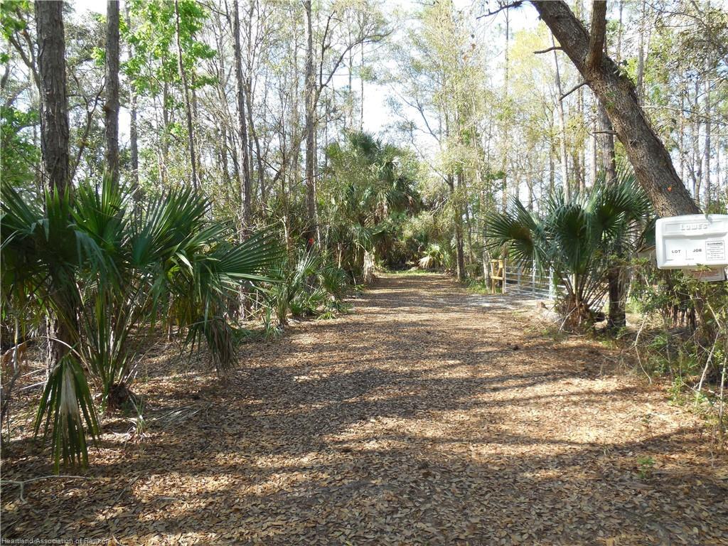 4279 Raccoon Road, Zolfo Springs, FL 33890