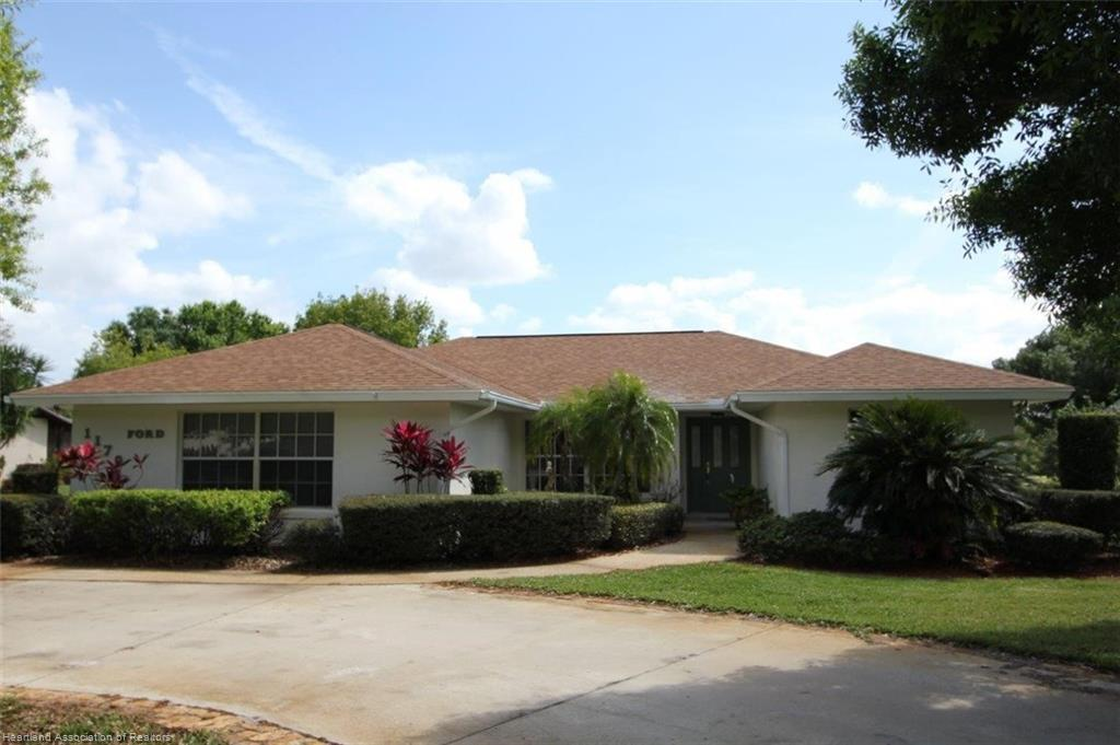 1170 Lake Lotela Drive, Avon Park, FL 33825