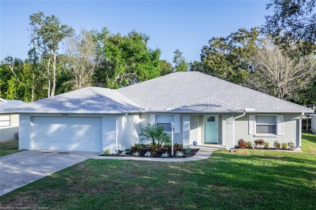 1509 Lake Clay Drive, Lake Placid, FL 33852