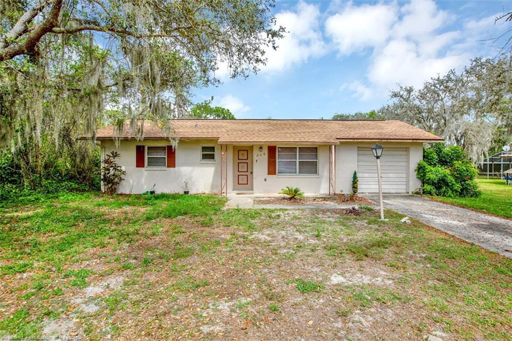 205 Thrush Avenue, Sebring, FL 33870