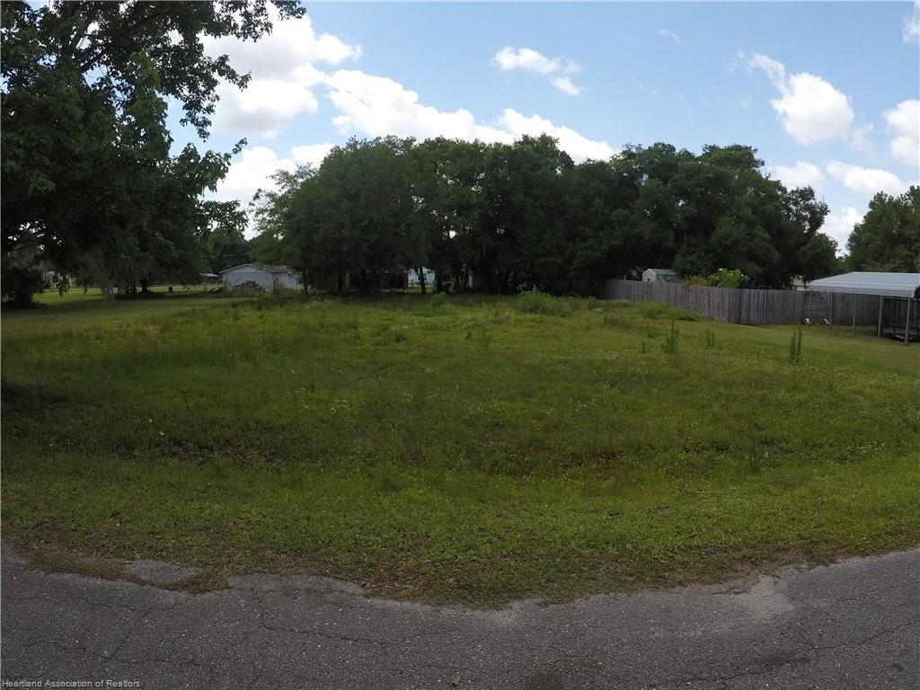 Epps Avenue, Bowling Green, FL 33834