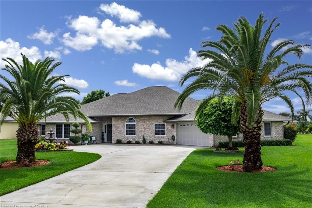 635 Sunset Pointe Drive, Lake Placid, FL 33852