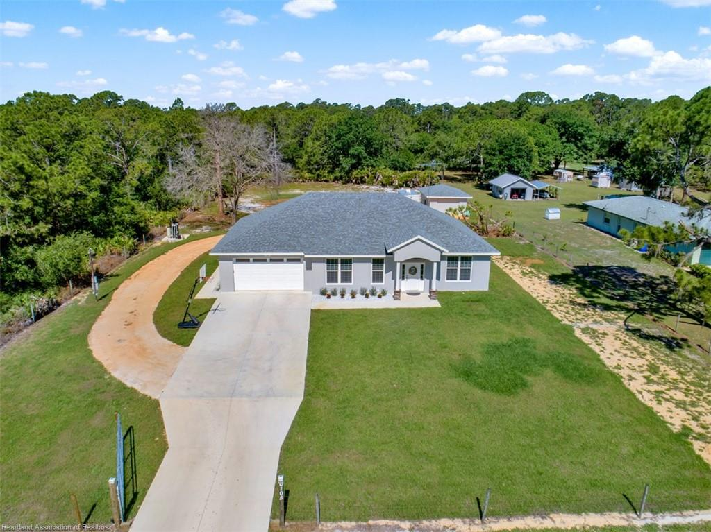 6105 Apple Road, Sebring, FL 33875